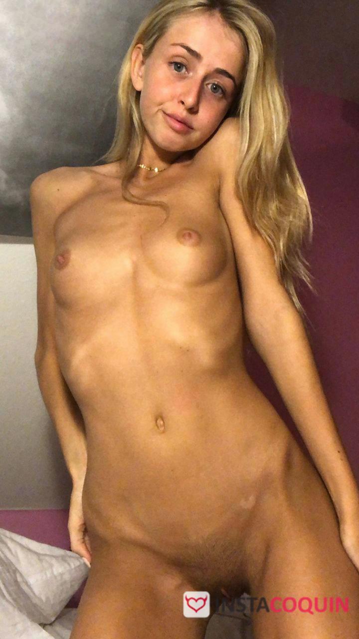 snap coquin - Blonde innocente très sexy Snap Nude