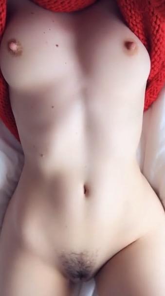 je-montre-ma-chatte-en-snap-nude-1