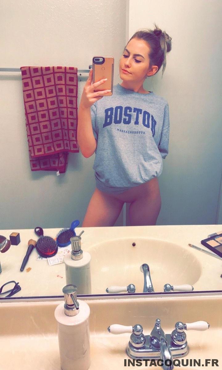 snap coquin - Les photos Sexe d'une étudiante blonde à l'université